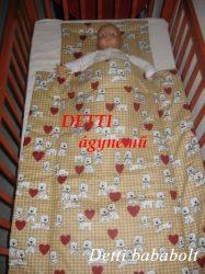 Kutyusok szívvel - Bébi ágynemű szett 2 részes